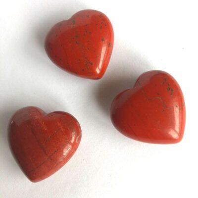 Rød jaspis hjerter