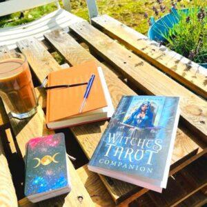Witches tarot i solen